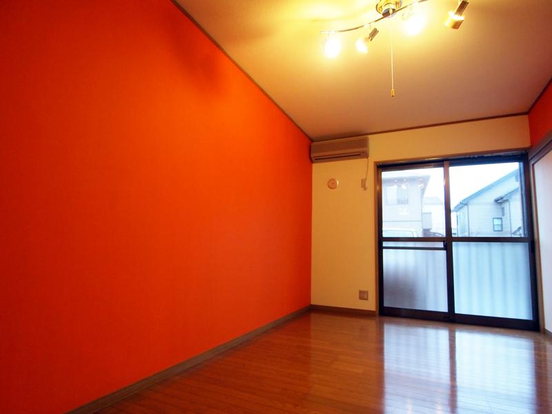 オレンジの映える部屋:宇都宮103[vol.0008]