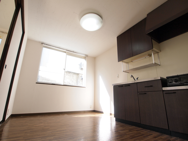 照明と床、ペイントがベストマッチなお部屋[vol.0009]