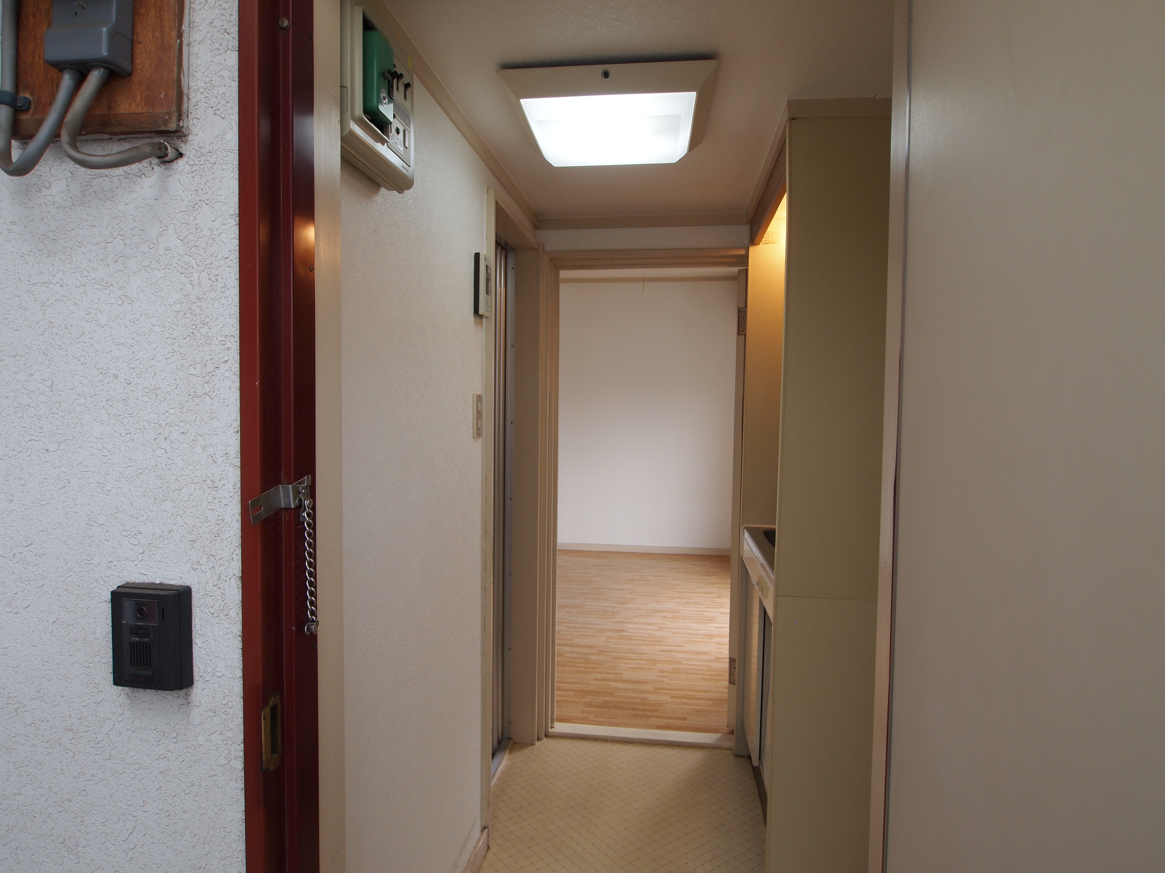 施工事例:埼玉県坂戸市 ヴィンテージオークのフロアタイルでモダン&ヴィンテージに